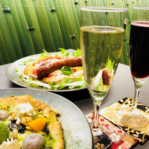 ぜひ当店の窯焼きピッツァとご一緒に。 イタリア直輸入スパークリングワイン提供開始。 ★4月末まで「試飲」割引サービス★