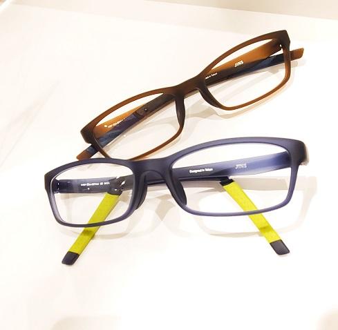 素早く簡単にフィットするメガネ。